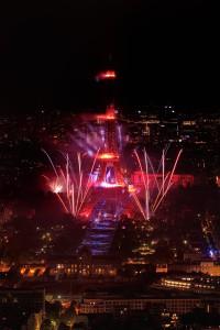 photo 5414, photographie paris 14 juillet 2013 photographe Serge Decoster photos feux d'artifice Société Fêtes et Feux