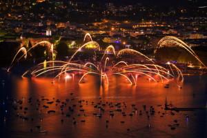 photo7522, photographie Annecy la fête du lac photos feux d'artifice photographe Serge Decoster