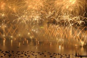 photo7753, photographie Annecy la fête du lac photos feux d'artifice photographe Serge Decoster