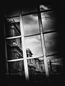 photographie noir et blanc - Paris - Le louvre